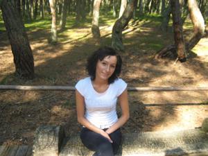 Брюнетка с плоской грудью - фото #16