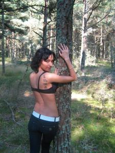 Брюнетка с плоской грудью - фото #36