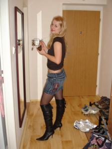 Фотографии с привлекательной блондинкой в черном и белом белье - фото #16