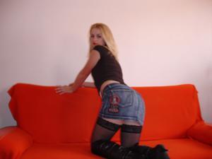 Фотографии с привлекательной блондинкой в черном и белом белье - фото #26