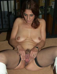 Фото подборка с разнообразной мастурбацией зрелой женщины - фото #105