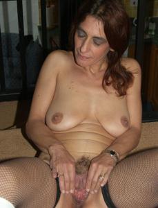 Фото подборка с разнообразной мастурбацией зрелой женщины - фото #106