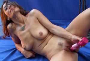 Фото подборка с разнообразной мастурбацией зрелой женщины - фото #15