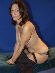 Фото подборка с разнообразной мастурбацией зрелой женщины