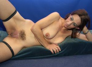 Фото подборка с разнообразной мастурбацией зрелой женщины - фото #24