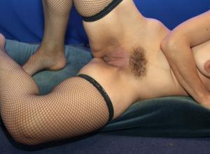 Фото подборка с разнообразной мастурбацией зрелой женщины - фото #25