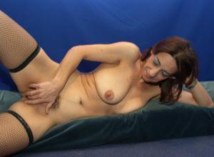 Фото подборка с разнообразной мастурбацией зрелой женщины - фото #27