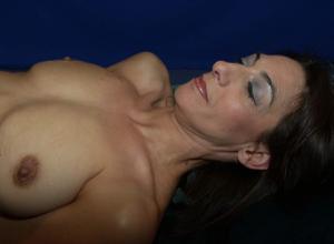 Фото подборка с разнообразной мастурбацией зрелой женщины - фото #3