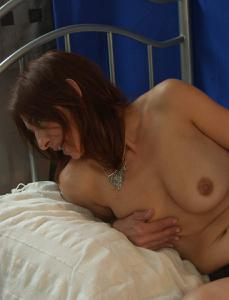 Фото подборка с разнообразной мастурбацией зрелой женщины - фото #46