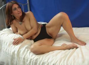 Фото подборка с разнообразной мастурбацией зрелой женщины - фото #53