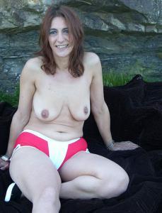 Фото подборка с разнообразной мастурбацией зрелой женщины - фото #54