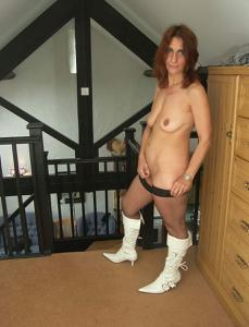 Фото подборка с разнообразной мастурбацией зрелой женщины - фото #84