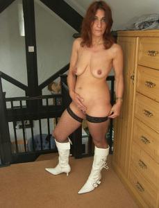 Фото подборка с разнообразной мастурбацией зрелой женщины - фото #87
