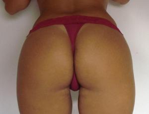 Бразильянки встают раком и показывают большие задницы - фото #7