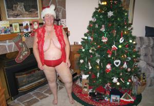 Зрелая толстуха показывает огромные сиськи на снимках - фото #8