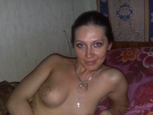 Фотографии с Ольгой в черных чулках, которой кончили на живот - фото #4