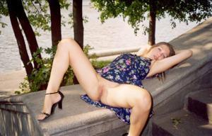 Ретро подборка горячих кадров из жизни молодой нимфоманки - фото #3