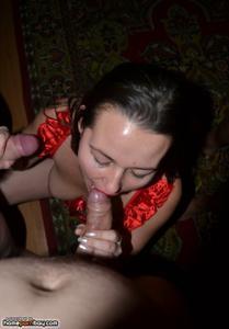 Нимфоманка разрешает кончить на лицо после групповухи или секса втроем - фото #13