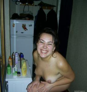 Русская телка не отказывается шалить даже будучи беременной - фото #17
