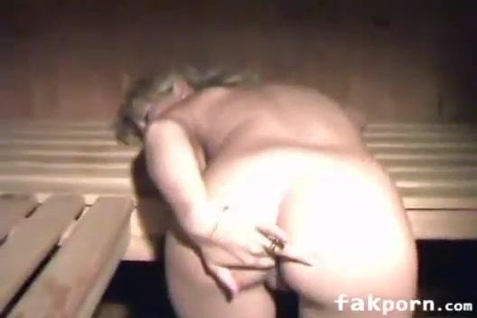 Ебля русской семейной пары в горячей сауне
