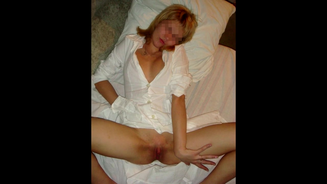 В попку со смазкой трахает жену