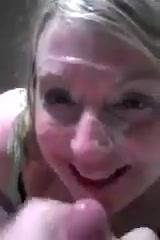 Ебет жену раком и кончает на лицо