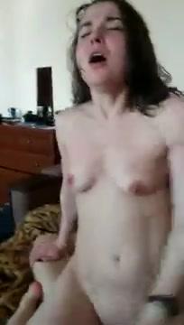 Множественные оргазмы брюнетки и сквирт