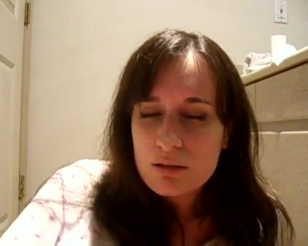 Лицо кончающей от мастурбации женщины